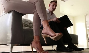 LoveHerFeet - Divorce Lawyer Vernissage Sucks His Clients Pretty Petite Feet