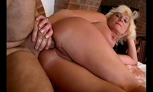 moms first anal sex resign oneself to